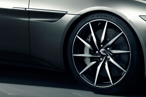 aston martin DB10 photo 3